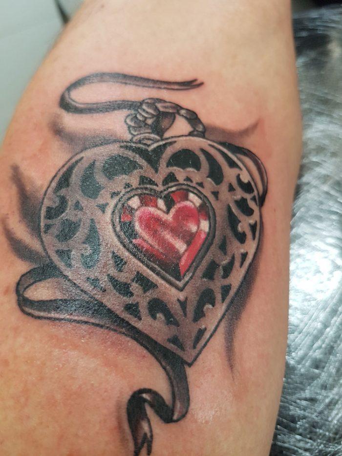 Amuleto en forma de corazón