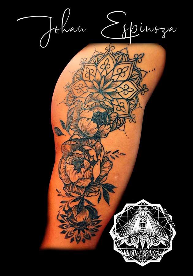 Mandala con flores peonia