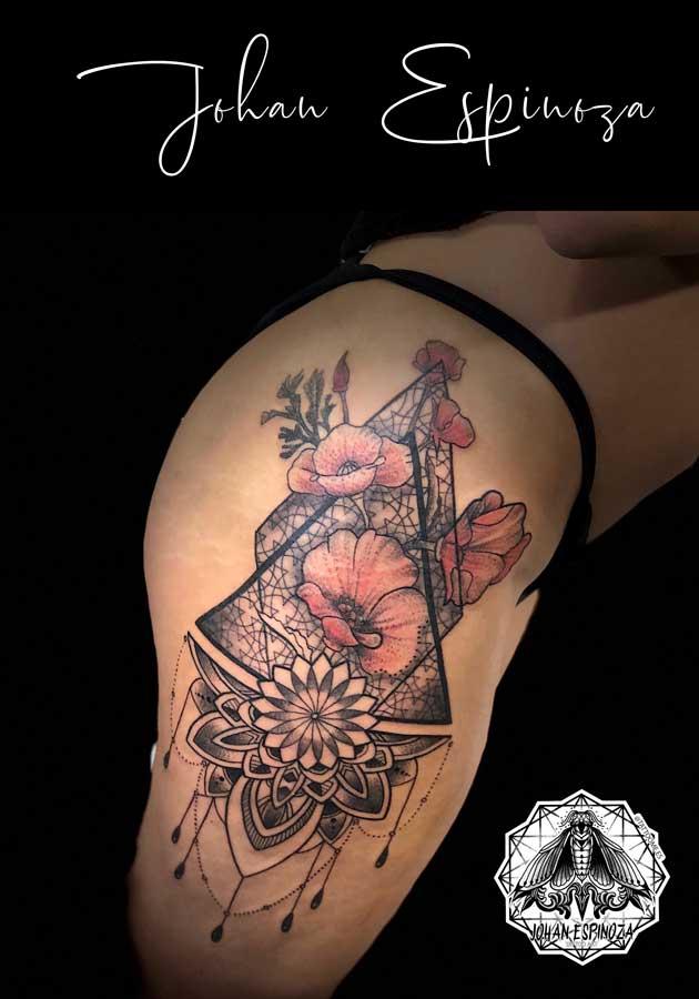 Geométrico en pierna con amapolas