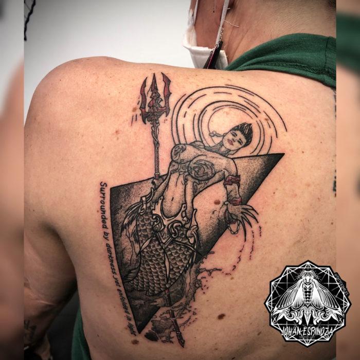 comic-tatuaje-espalda