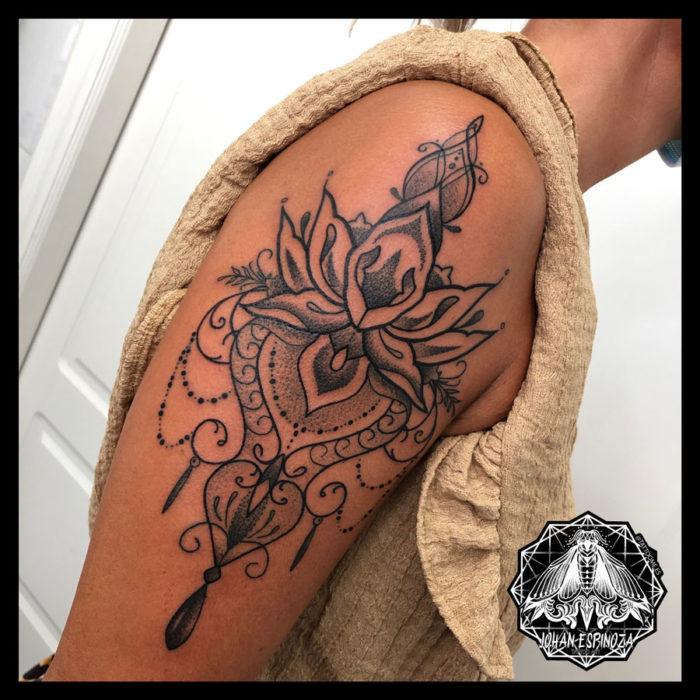 Tatuaje Floral Mandala