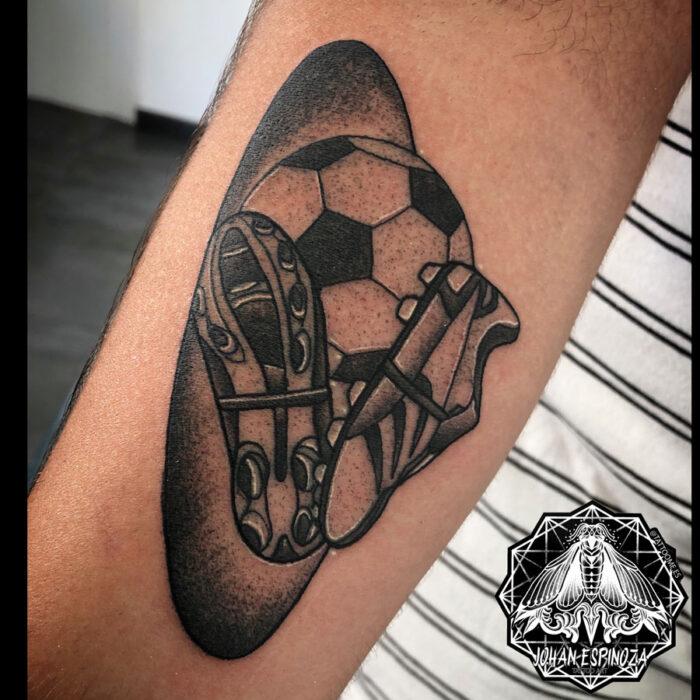 Tatuaje con temática de fútbol